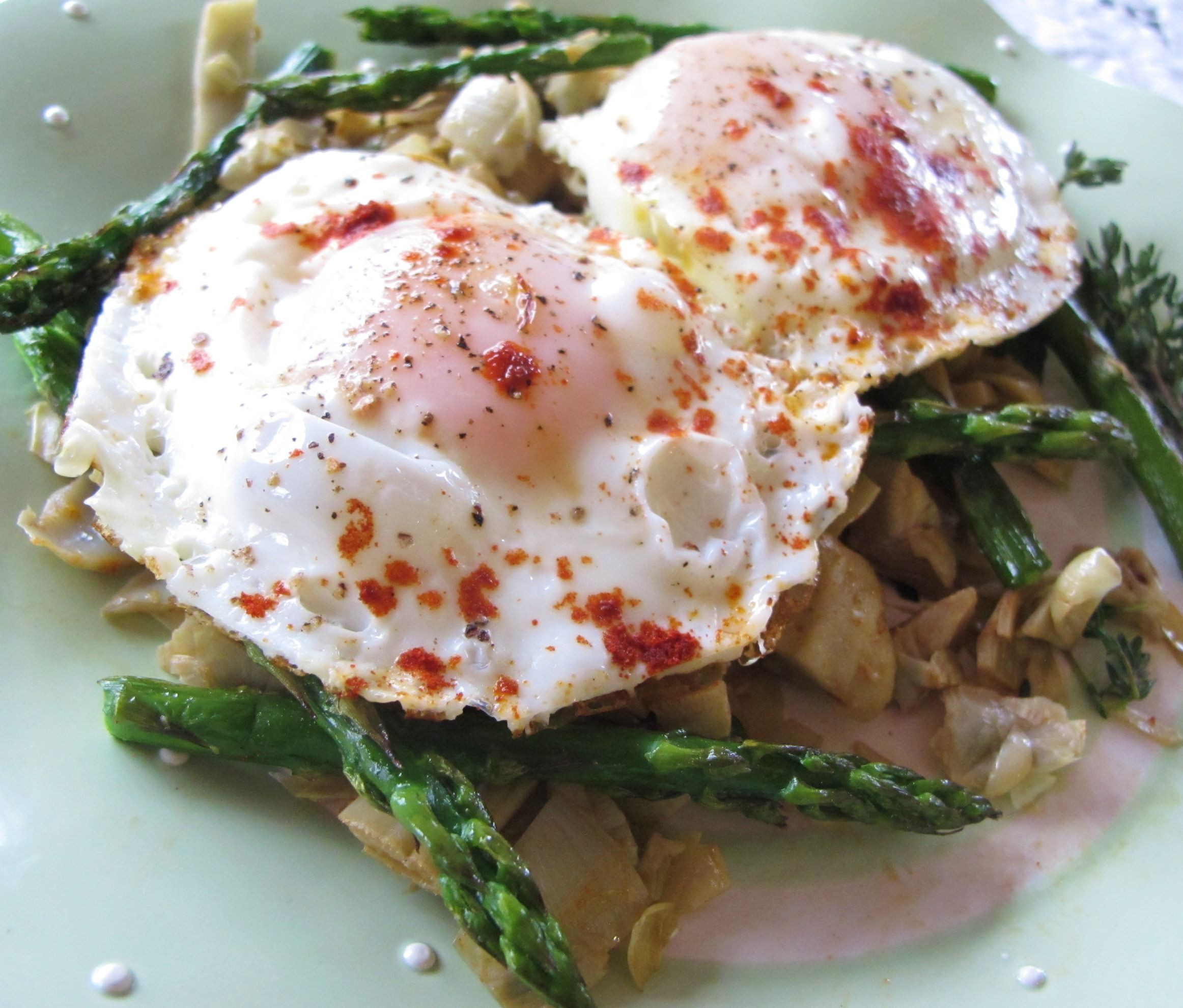 Low Carb Breakfast Asparagus & Eggs on Artichoke Bed