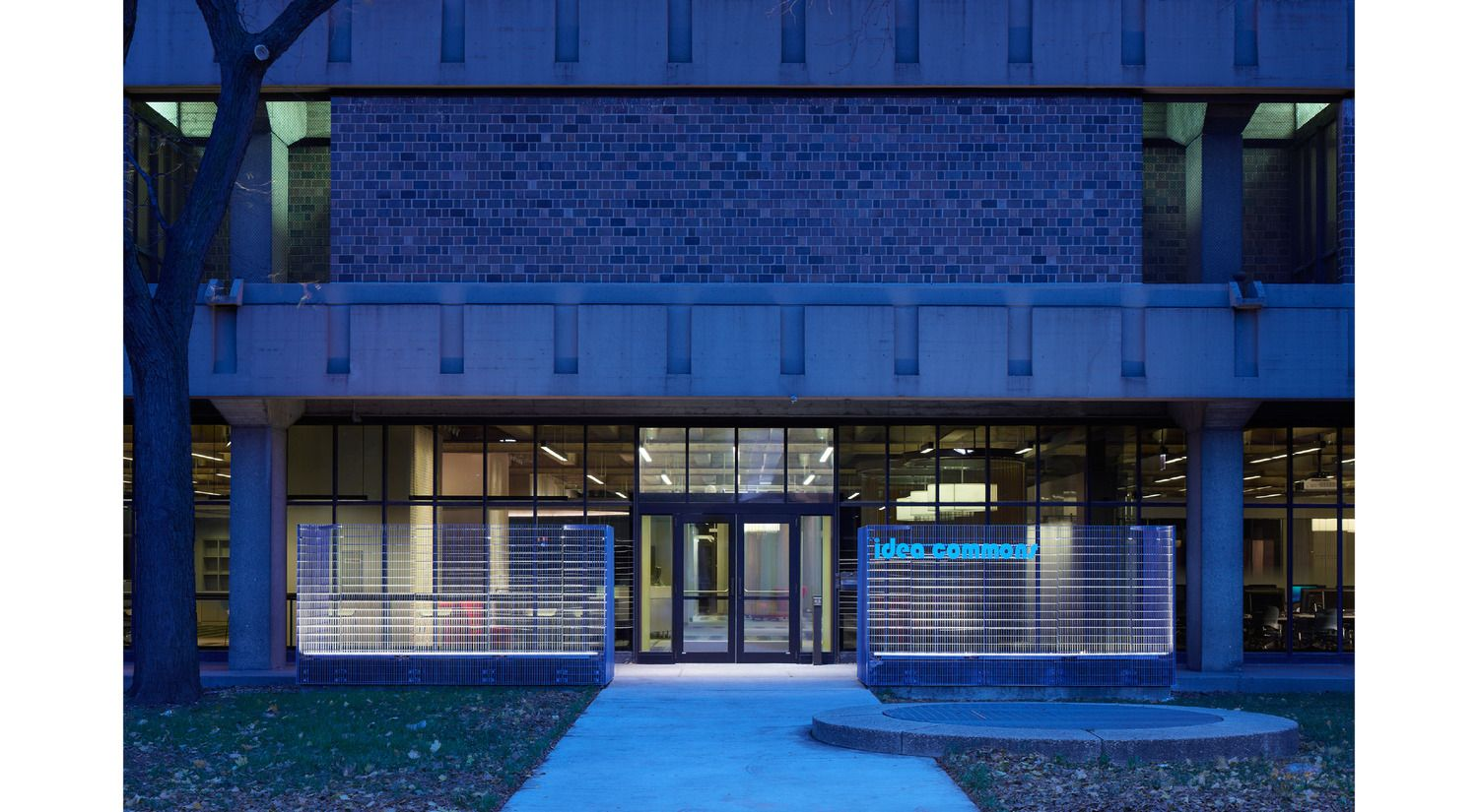 UIC Daley Library IDEA Commons . Woodhouse Tinucci