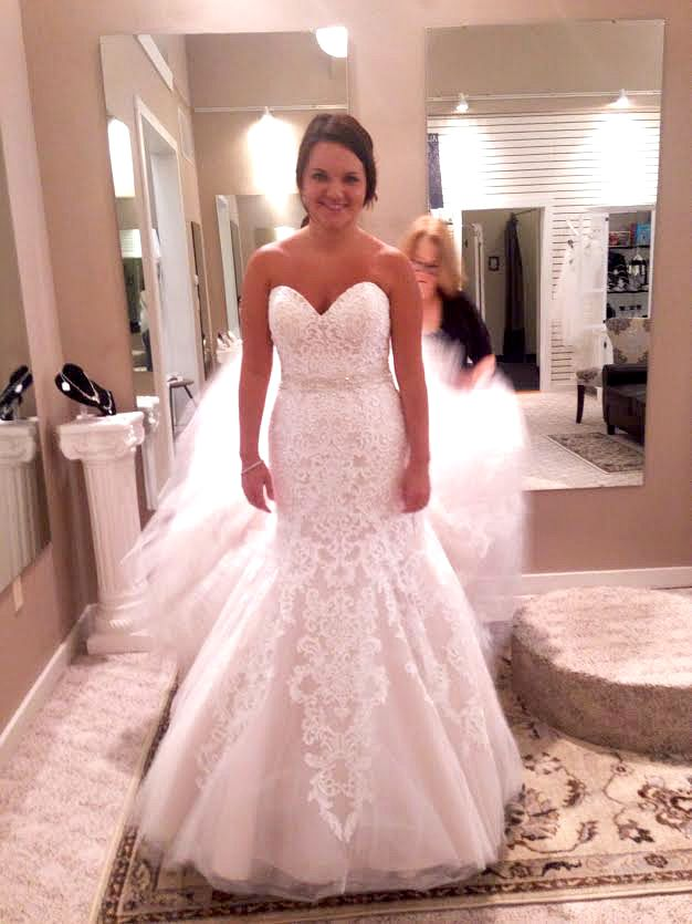Any Brides Out There Wear An Allure Romance 2709 In Their Wedding I Tried This Dress On And Now Can T Get It Ou