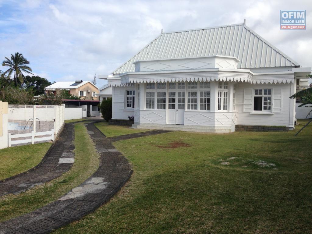 Vente Maison Villa Saint Andre A Rivière Du Mât Les Bas Splendide Case Créole D Architecte Lumineuse Vente Maison Maison Maison Creole