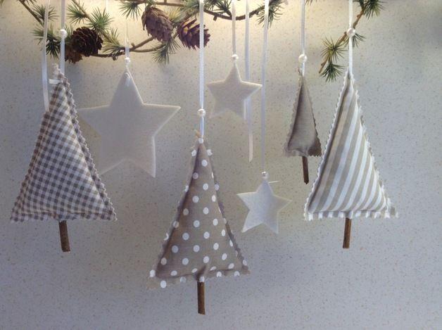 … Hier habe ich ein tolles Advents -und Weihnachtsdeko Set für euch genäht. …