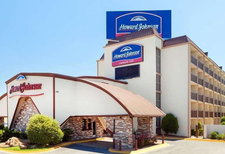 Howard Johnson By Wyndham Arlington Ballpark Six Flags Arlington Chicago Cheap Hotels Myrtle Beach Hotels Orlando Hotel