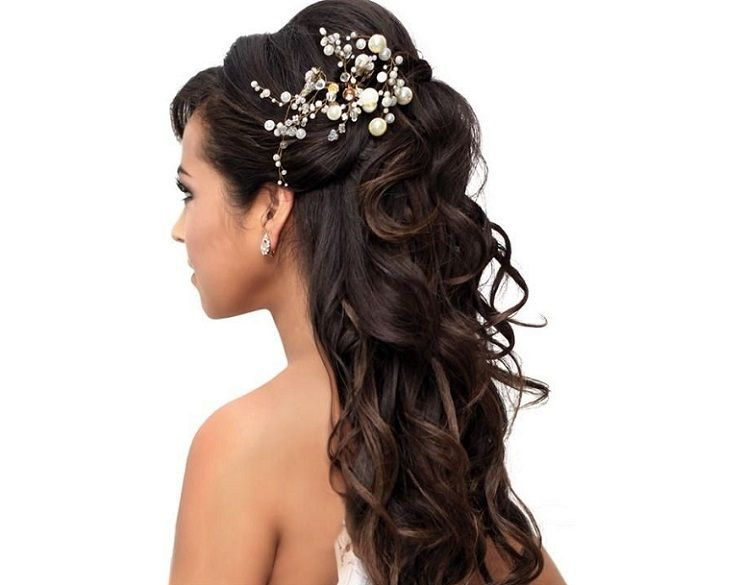 Long Down Hairstyles Naturally Wavy Hair With Hair Accessory ...