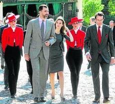 los Príncipes de Asturias acudieron a las bodegas jerezanas de González Byass para presidir un almuerzo con motivo del 175 aniversario de la compañía familiar fundada en 1835.