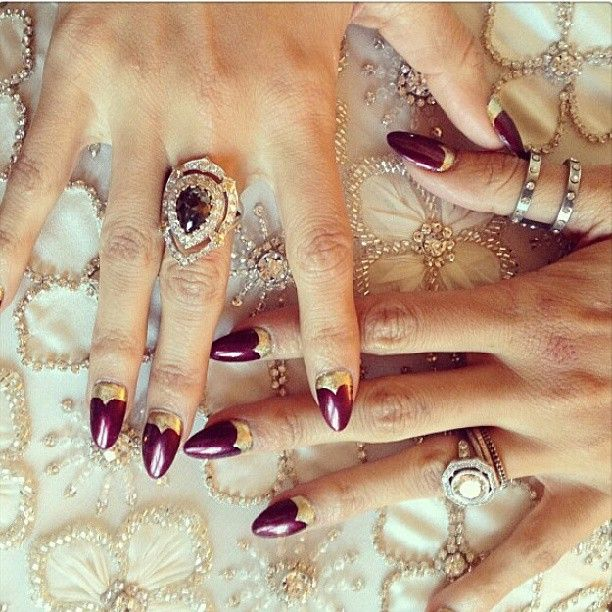 Manicurist Kimmie Kyees shows off Nicole Richie\'s burgundy and gold ...