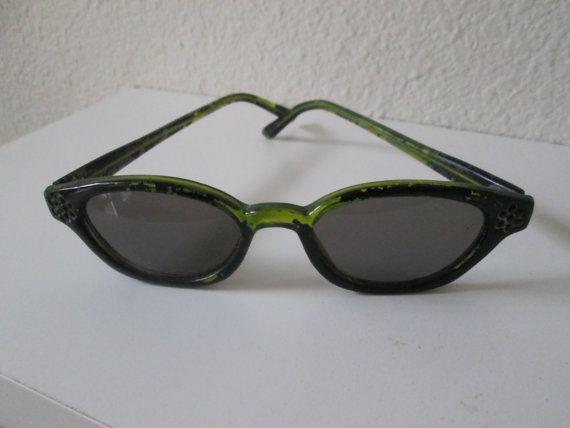 Items similar to Vintage sunglasses green black cat eye glasses 1950 1960 on Etsy