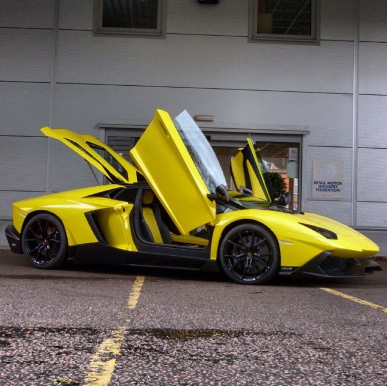 Lamborghini 50° Anniversario Edition Aventador Roadster