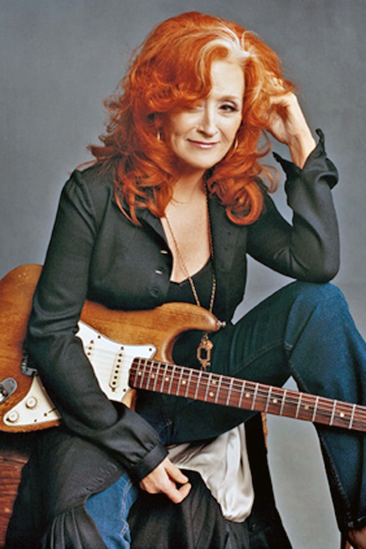 Bonnie Raitt Amazing Female Songwriter And Guitarist She S One At The Top If My Influences Love Her Blues Music Bonnie Raitt Female Guitarist