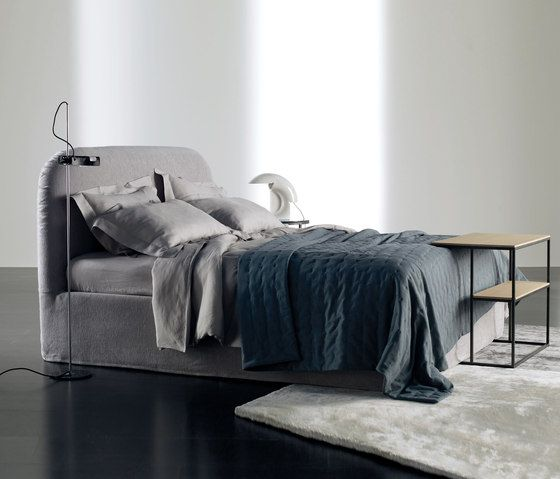 Double beds | Beds and bedroom furniture | Turner Bed | Meridiani ... Check it out on Architonic