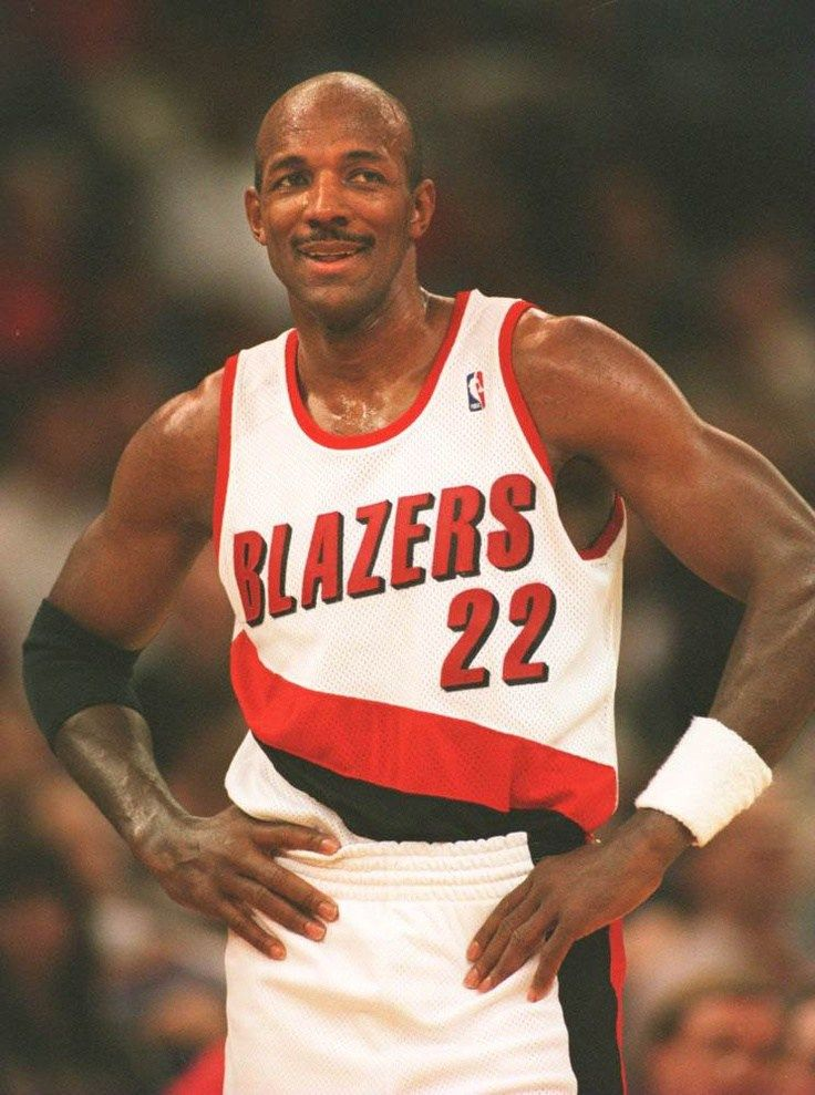 Smallthoughts Old School Tuesday …Clyde Drexler Clyde