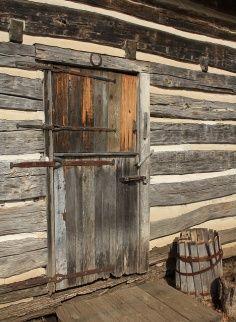 Cabin Dutch Door Old Log Cabins In 2019 Rustic Doors