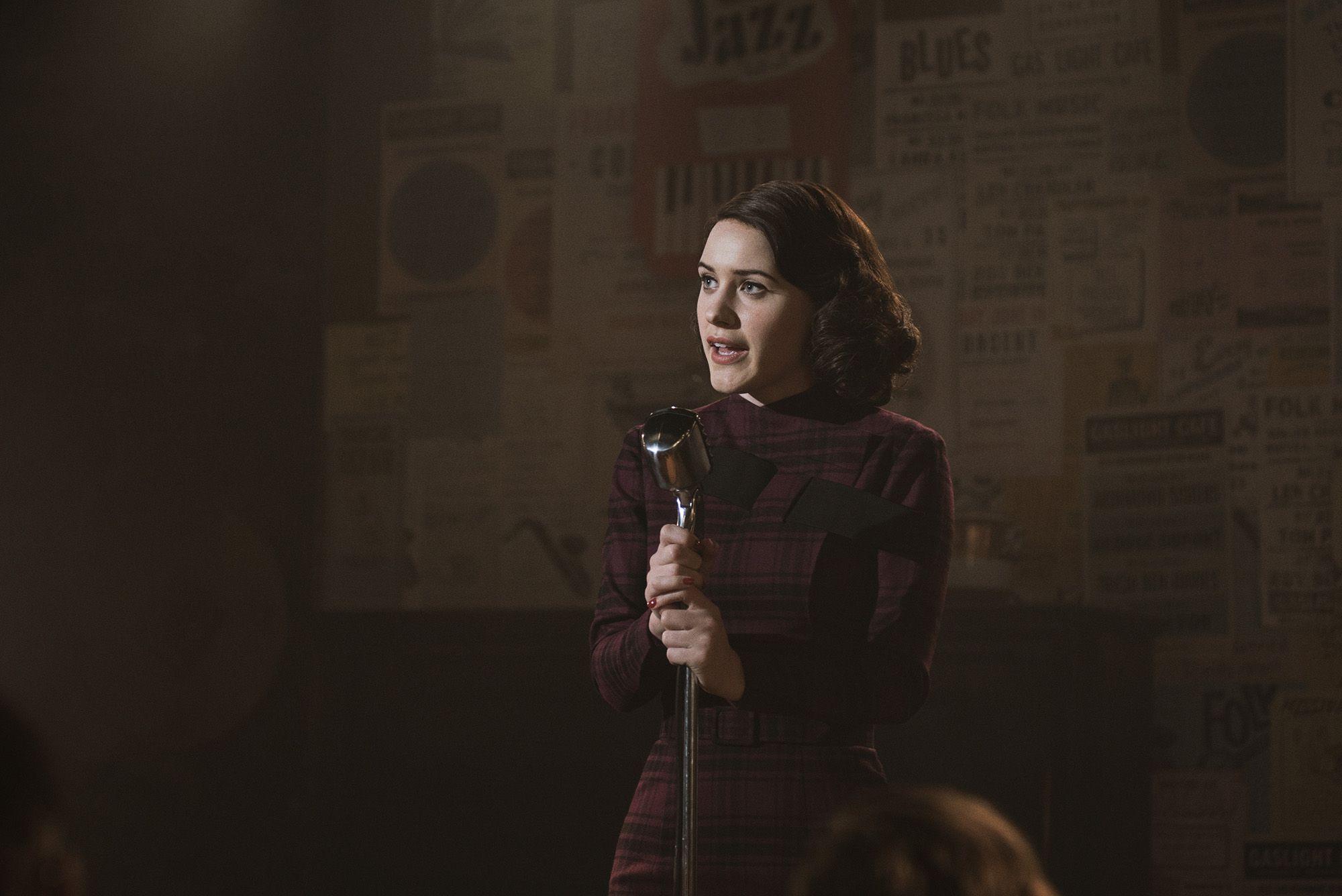 Rachel Brosnahan Makes A Comedy Comeback In New Trailer For The Marvelous Mrs Maisel Season 2 New Trailers Latest Entertainment News Rachel Brosnahan