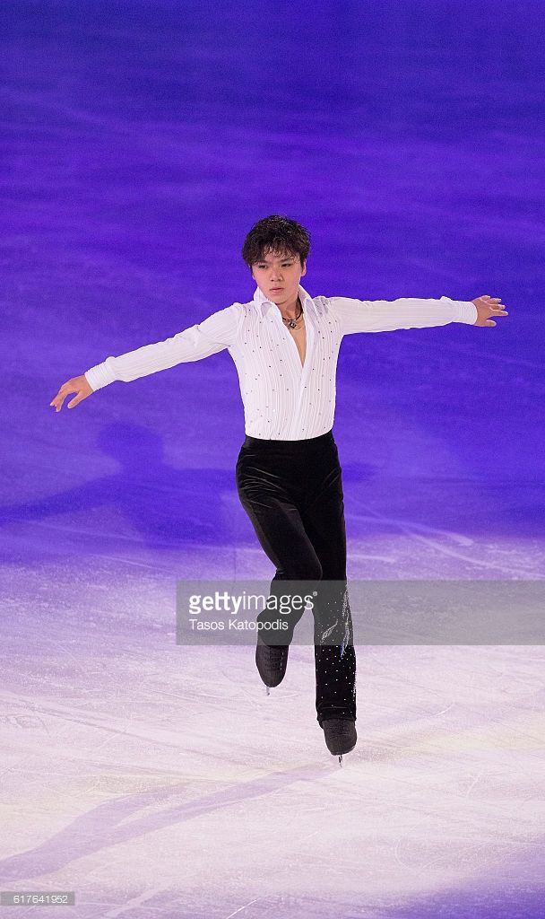 News Photo : Shoma Uno of Japan preforms at the Smucker's...