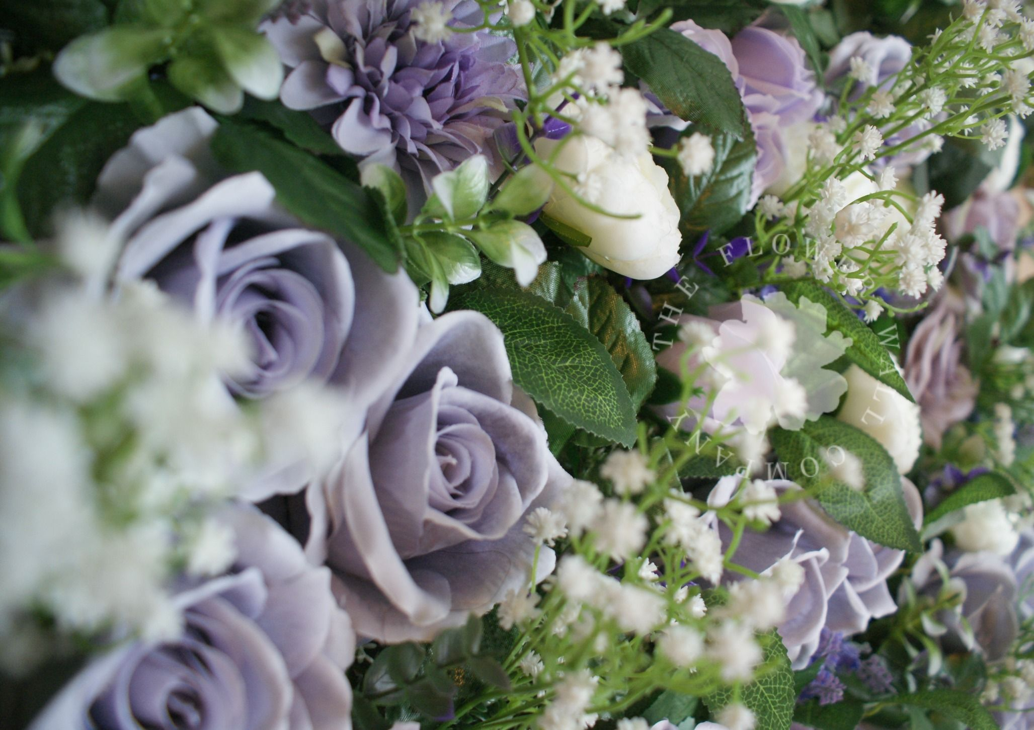 Lilac Lavender And Baby S Breath Make For The Softest Flower Wall Perfect For A Vintage Or Outdoor Weddin Wedding Apps Diy Wedding Planner Flower Wall Design