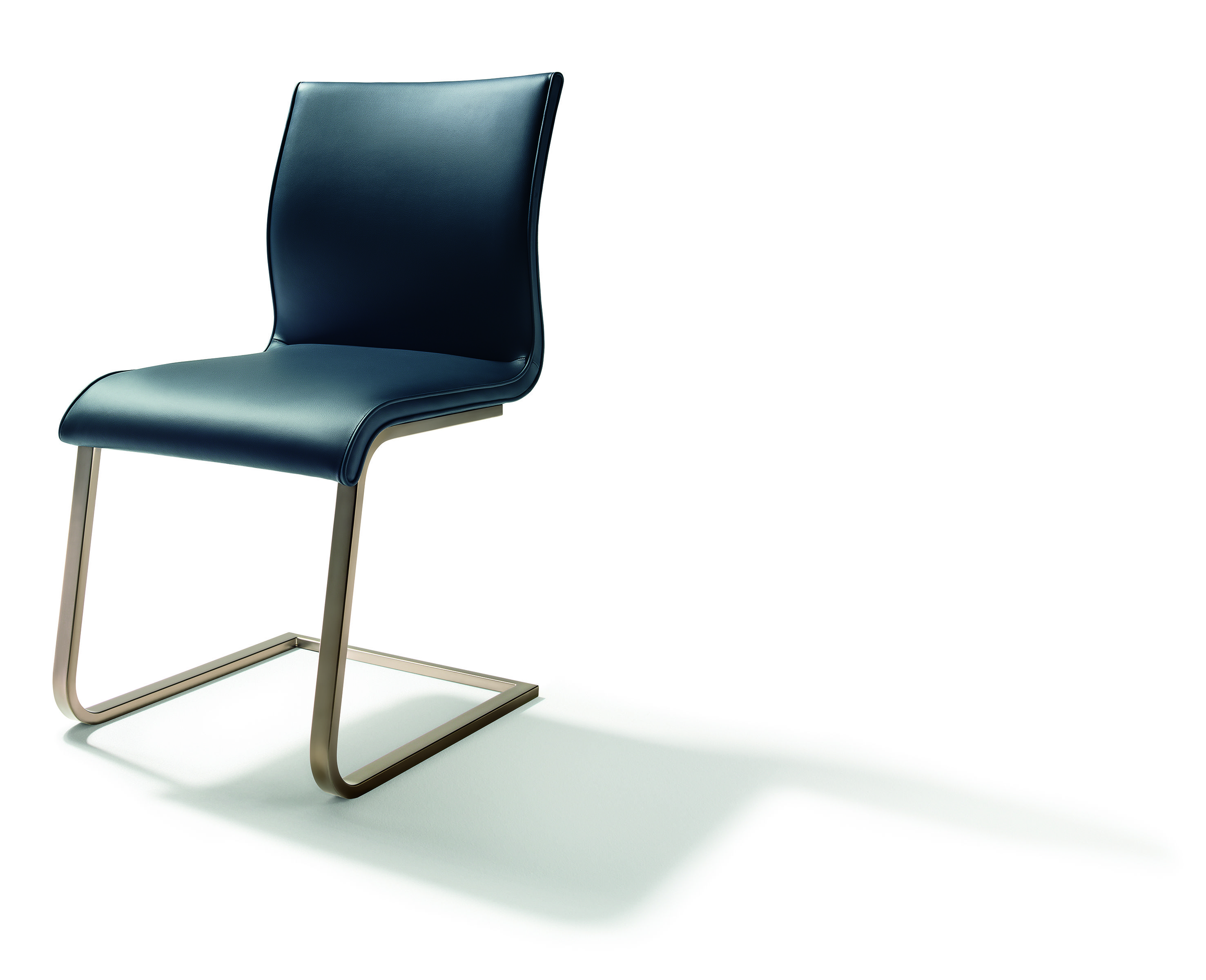 Team 7 Stühle Magnum Cantilever Chair In Leather Team 7 Team 7 Magnum