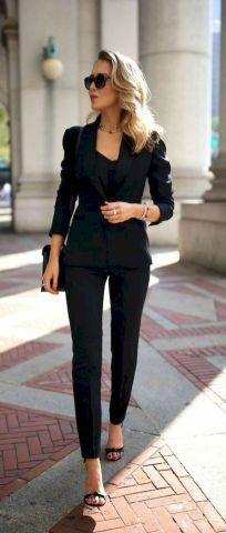 80 Excellent Business Professional Outfits Ideas for Women - Fashion and Lifestyle #businessprofessionaloutfits