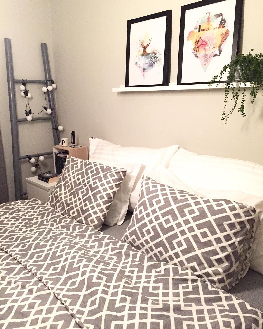 Snart natta Dette rommet skal snart males er det noen som har forslag til farge?  #kremmerhuset #kidinteriør #haylup #designletters #fiftyshadesofgrey #mrgrey #bloomingville #bjerkaninterior #annirenogelin #mittnordiskehjem #nordiskehjem #ssevjen #annasrom #myhome #mystyle #unike_hjem #boligplussminstil #asafotoninspo #interior_november ##interiørmagasinet @interior_magasinet #homeinspo #interiorwarrior #rom123 #rom123egmont #interiorbyraaet_inspo #interiør #interior #interior4all…