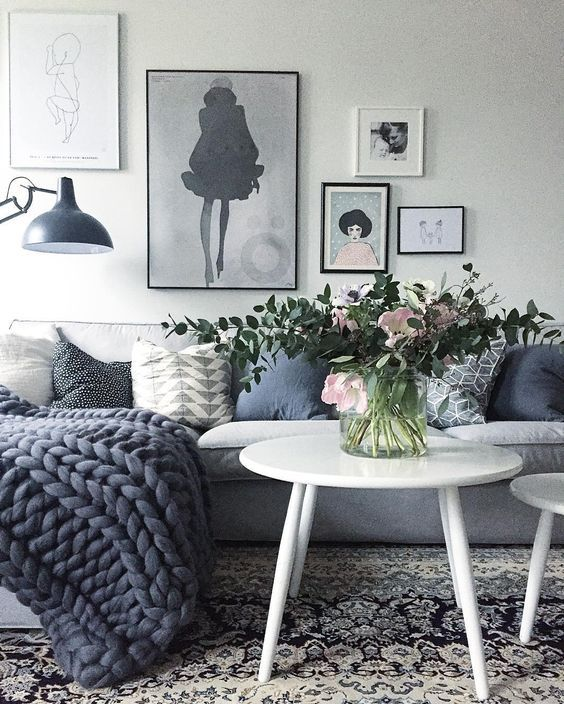 Color crush: grijsblauw | Grey living rooms, Living rooms and Interiors