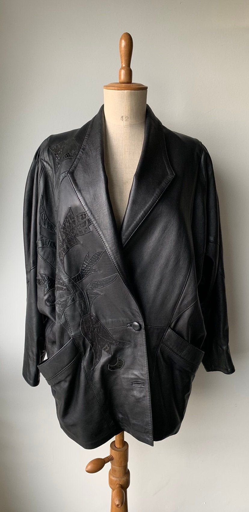1980s Black Leather Oversized Jacket Bat Winged Sleeves With Etsy In 2020 Oversized Jacket Vintage Leather Jacket Vintage Clothes Shop