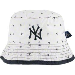 Boston Red Sox - Infant White New Era Magical Bucket Hat e95f98477b0