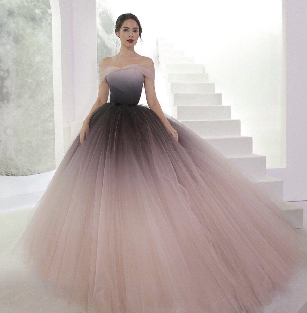 a062038e8 15 Lindos vestidos extra largos para ser la envidia en tu graduación ...