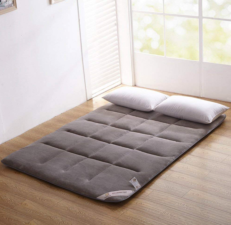 The Perfect Floor Companion Is The Japanese Floor Futon Mattress Diy Floor Bed To Create An Awesome Futon Bed Th Japanese Bed Japanese Bed Roll Futon Mattress
