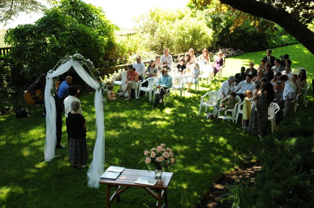 Real weddings natalie and leon 39 s magical garden wedding for Backyard wedding ceremony decoration ideas