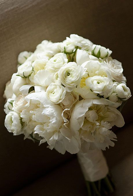 White peony and rananculus wedding flower bouquet, bridal bouquet, wedding flowers, add pic source on comment and we will update it. www.myfloweraffair.com can create this beautiful wedding flower look.