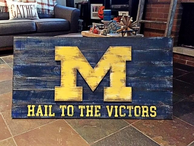 Rustic-looking Michigan Wolverines 3D Flag Wood Wall Art 36\'\' x 21 ...