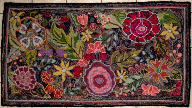 Hooked Rug Love Flowers Fabric Felting Wool Etc