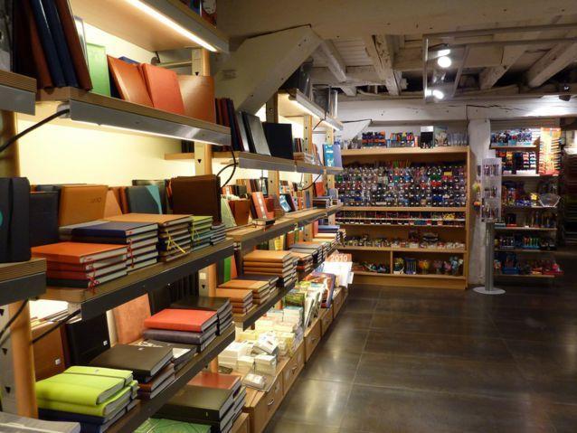 Papeleria Tamayo Reforma De Local Comercial Dedicado A Papeleria Escritura Y Material De Bellas Artes Papelería Libreria Papeleria Decoración De Unas