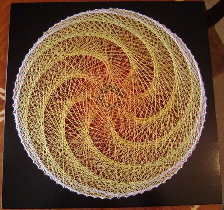 Geometric String Art A retro craft that is coming back again. Description  from pinterest.