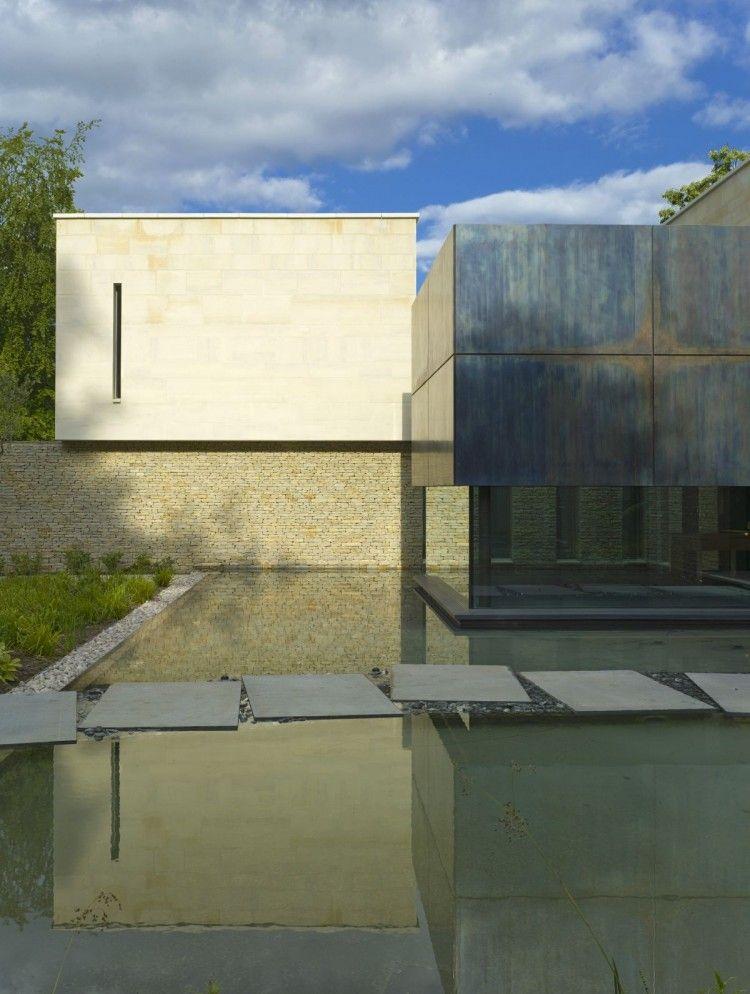 House in Buckinghamshire by McLean Quinlan
