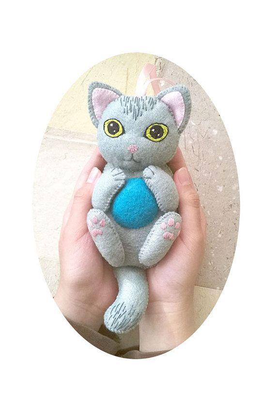 Hanging Felt Cat Ornament, Plush Grey Cat for Nursery Decor , Children's Room Decoration