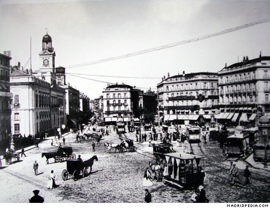 Puerta Del Sol Un Incendio En La Puerta Del Sol