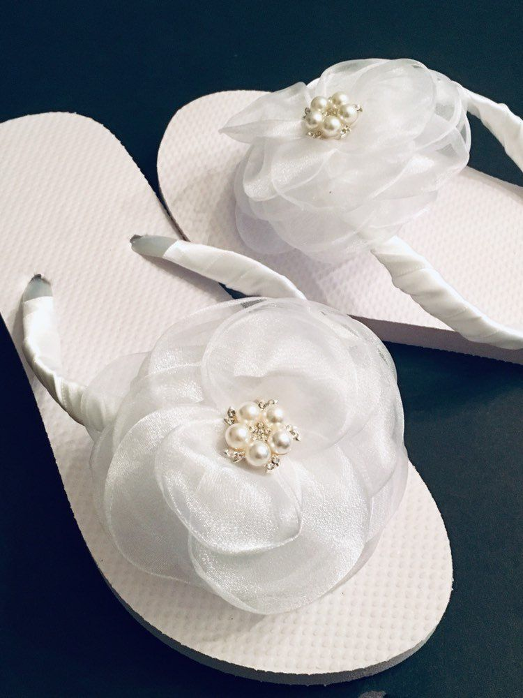 White Wedding Flip Flops Bride Flip Flops Sandals For Bride Sandals For Weddings Bridesmaid Shoes Shoes Wedding Flip Flops Bride Flip Flops Bride Shoes
