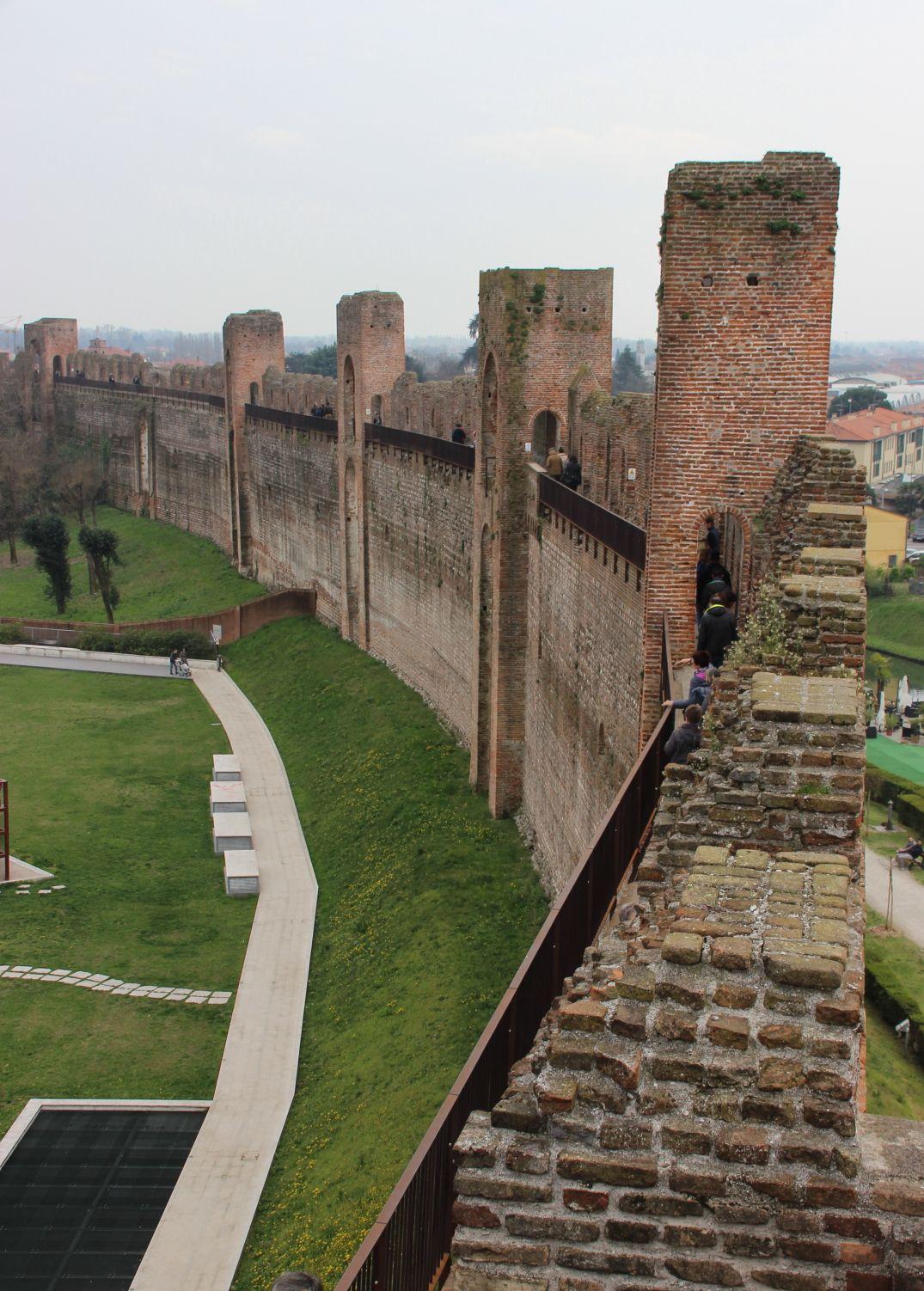Mura Medioevali Di Cittadella Treviso Italy Places Space