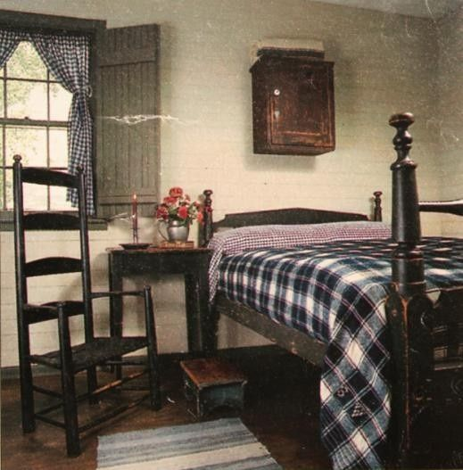 Prim c colonial bedroom cream walls black furniture for Colonial bedroom ideas