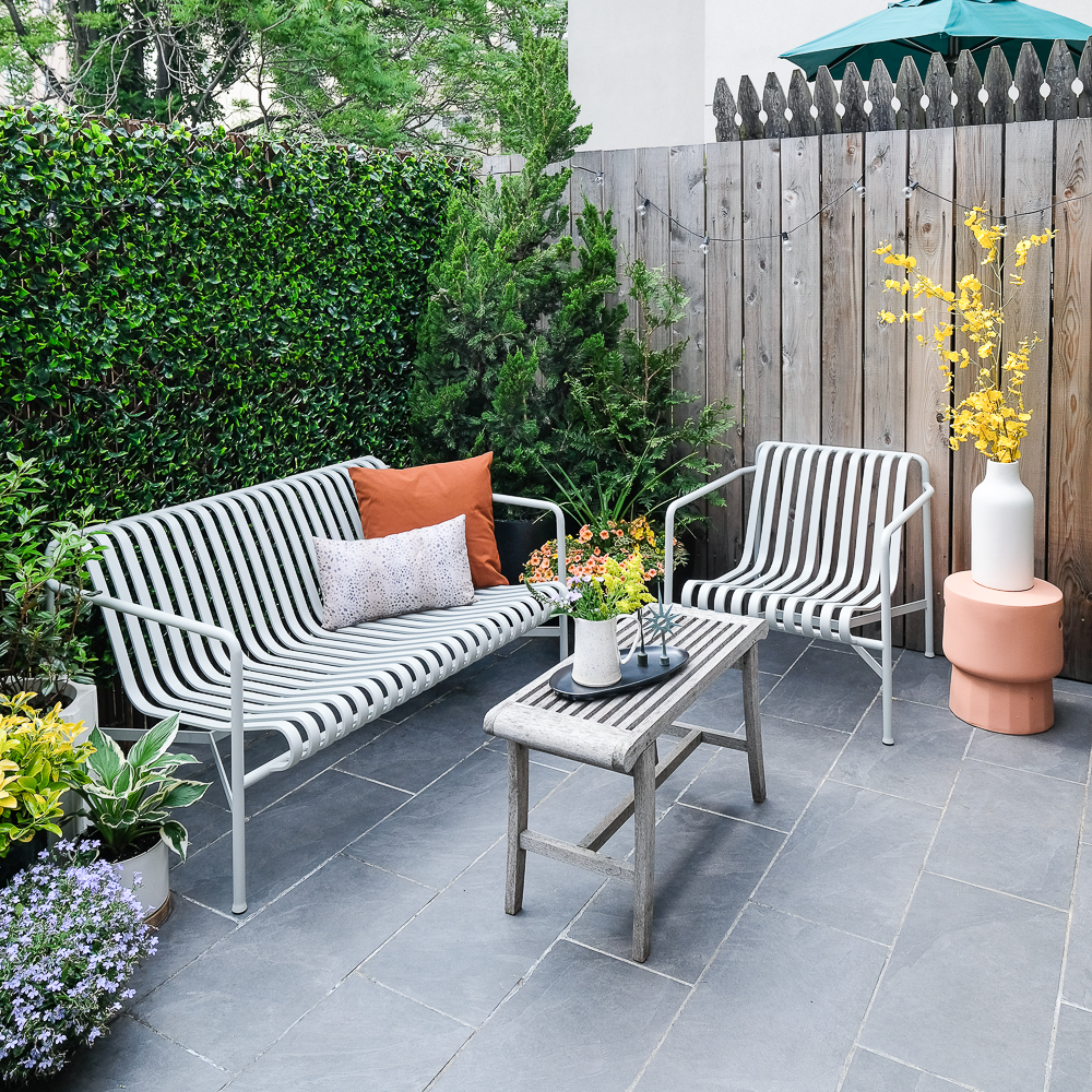 Patio Makeover: The Easiest DIY Green Wall Ever   Patio ... on Green Wall Patio id=86976