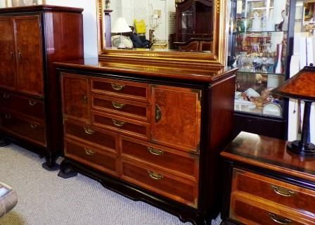 Amazing Bedroom Set, 8pc, Made By Broyhill. Set Includes Large Armoire, Tall Dresser