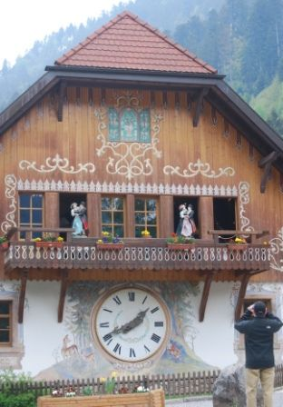 World S Largest Cuckoo Clock Black Forest Germany Black Forest Germany Cuckoo Clock Germany