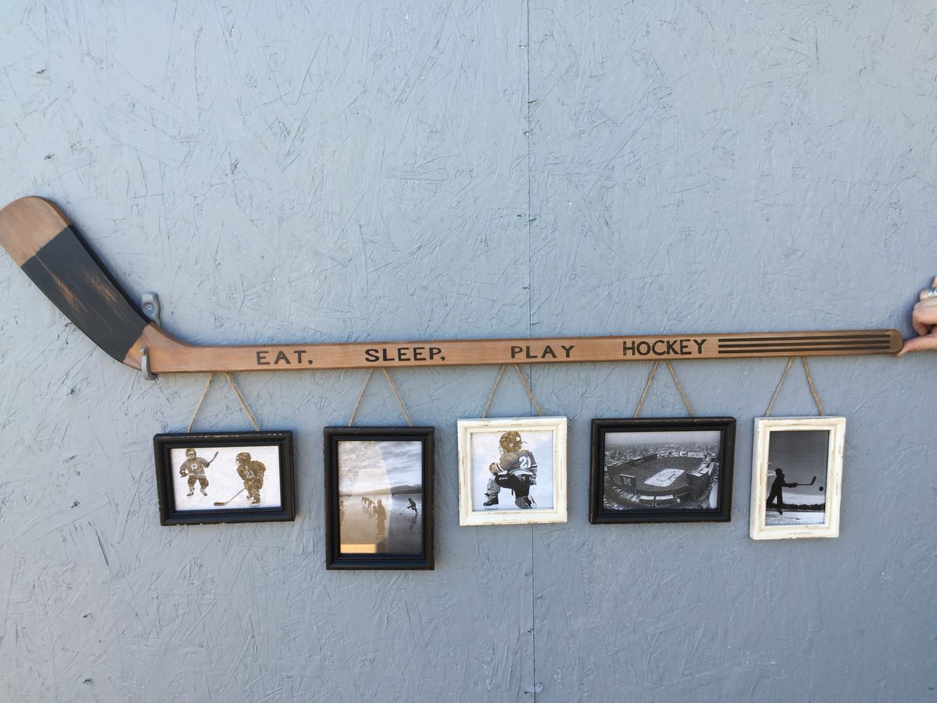 Boys hockey bedroom ideas - Retro Hockey Stick With 5 Hanging Frames 110 Sold Out