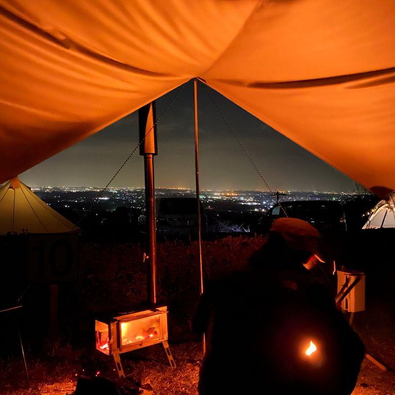 三重県一の夜景を望む尾高高原キャンプ場でおしゃれキャンプを満喫 キャンプ 夜景 キャンプ場