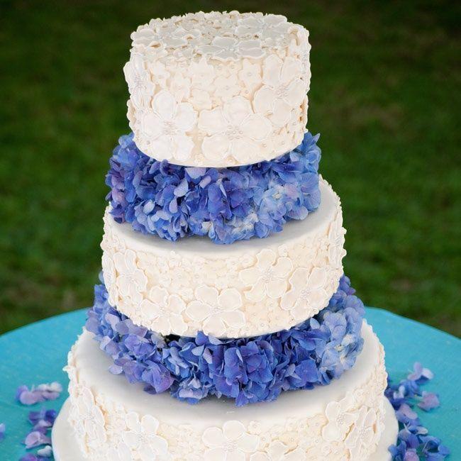 Reflecting+cake   ... cakes-reflect-personal-style/ #wedding #weddings #reception #cakes #