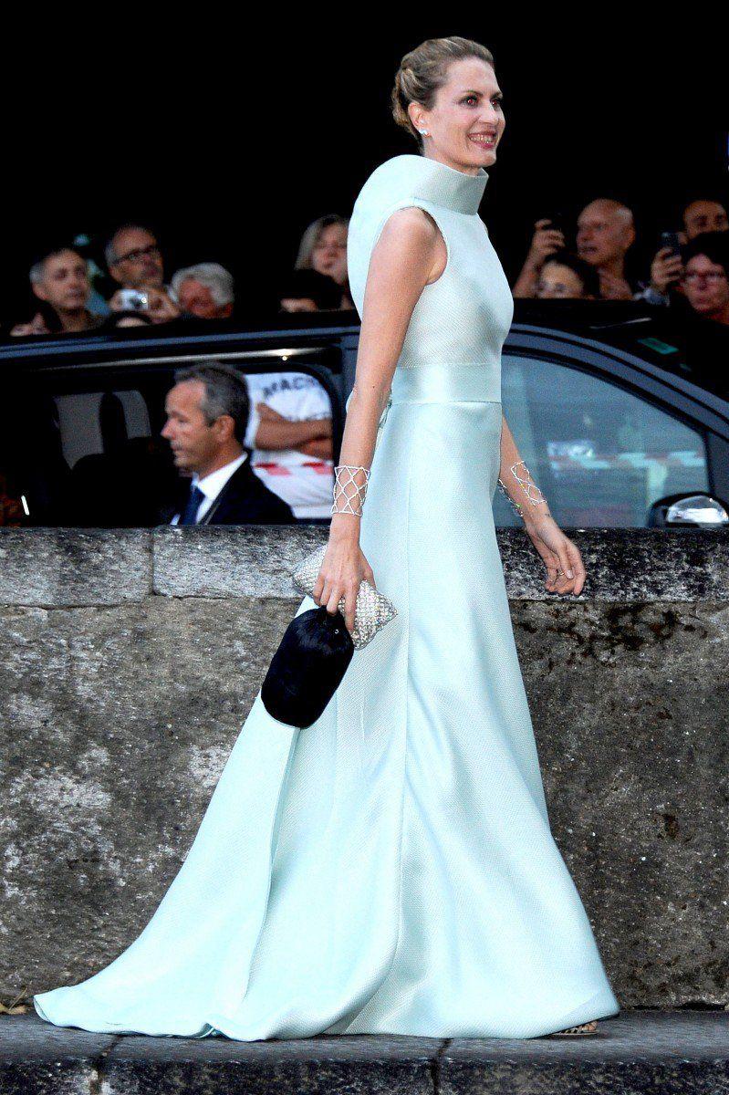 Beatrice\'s older half-sister Isabella Borromeo. | Fashion inspo ...