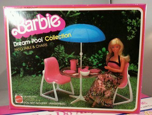 1980 Vintage Barbie Dream Pool