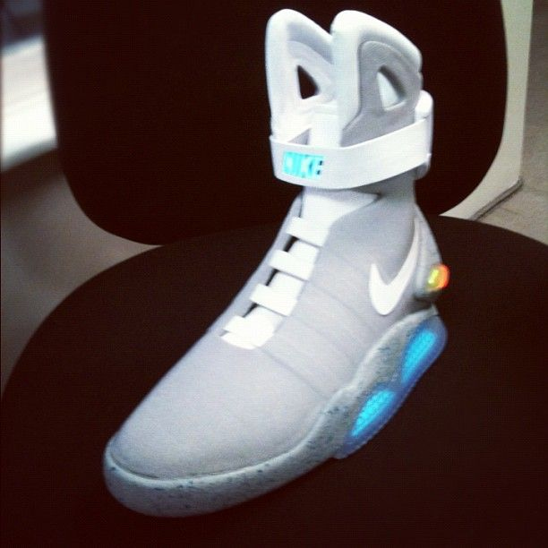 bf52bb6c5746 Nike Back To The Future HyperDunk This Is Amazing!