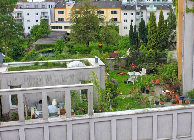 Some City Parks Are In Fact Intensive Green Roofs Such As The Parks Within The Canary Wharf Estate Canada Square Green Roof City Green Roof System Green Roof