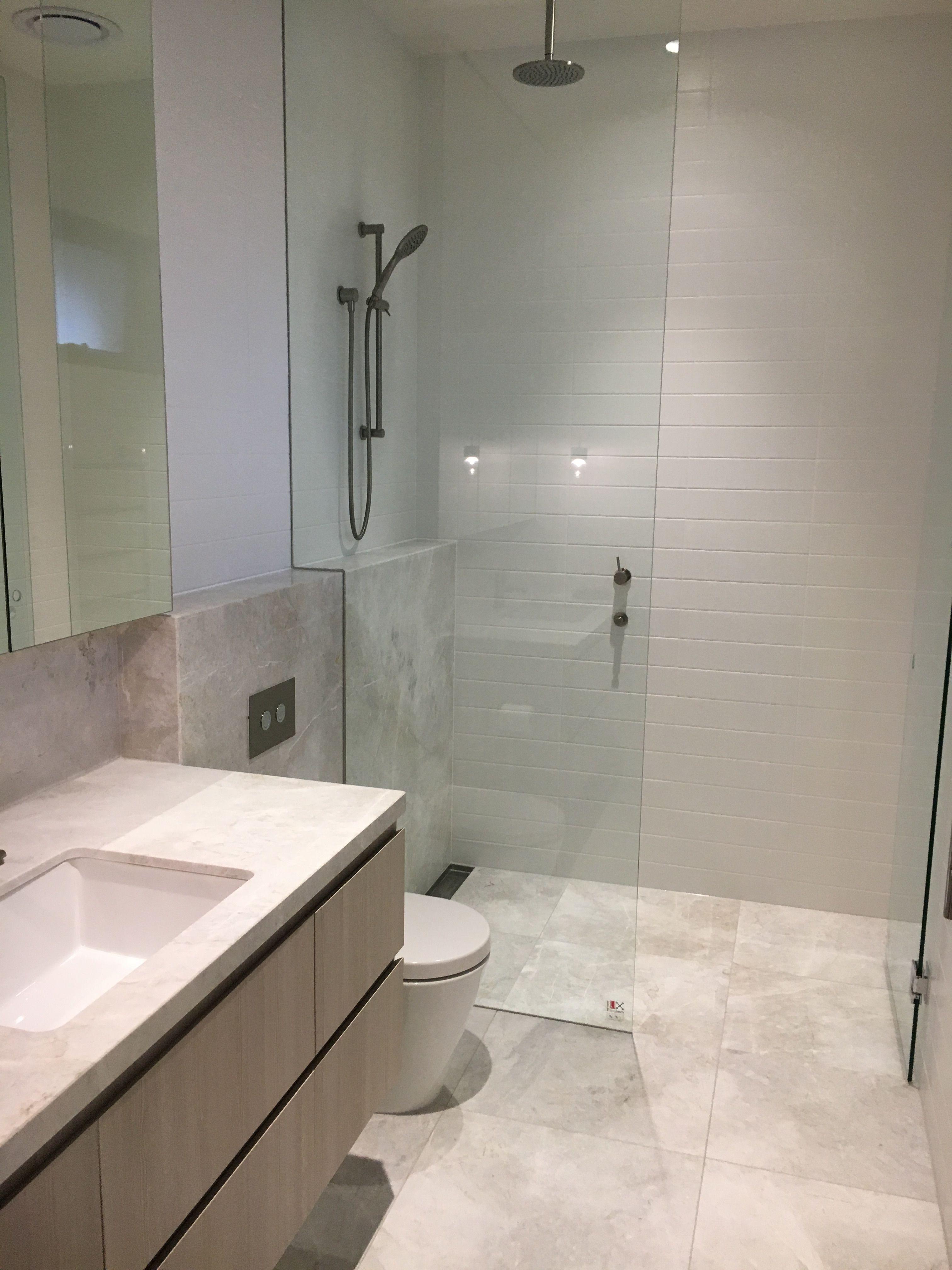 salle de bainBild von Bérénice Dusche umgestalten, Neue