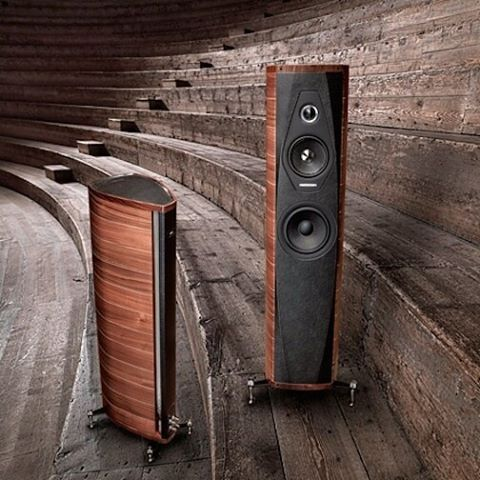 There is always something for everybody! Today, let's have an overview on our #floorstanding #loudspeakers in our #blog!